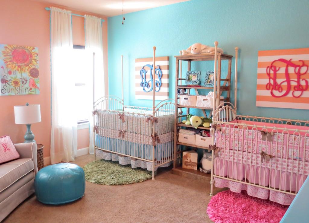 Комната для двойняшек фото